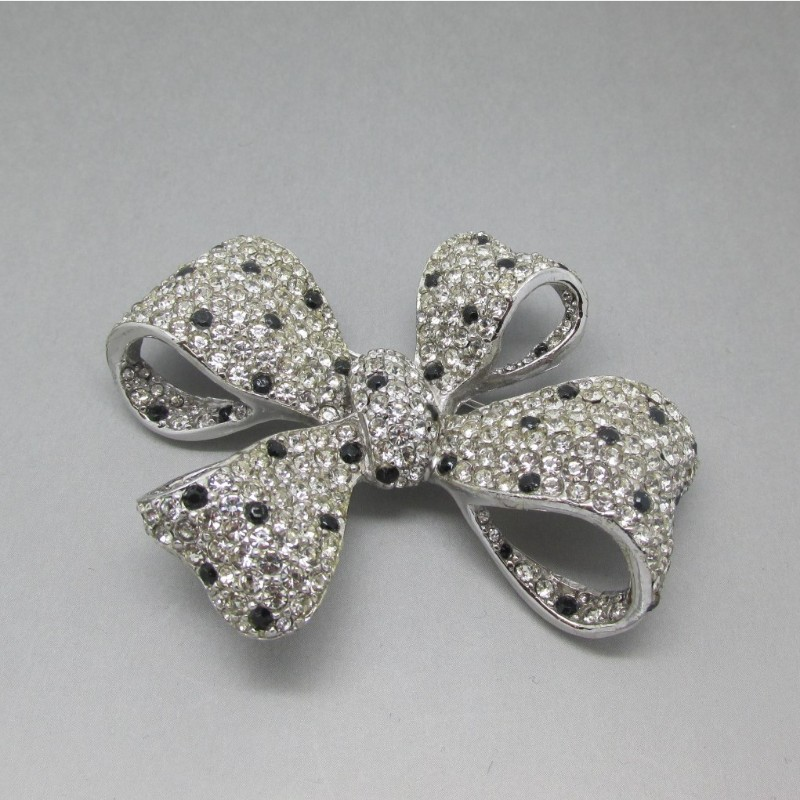 Ciner bow brooch