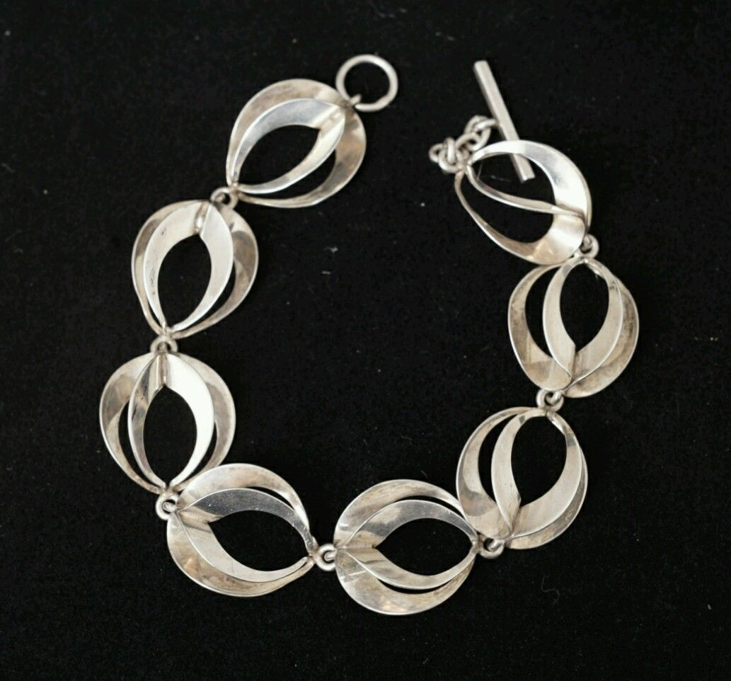 NE From abstract modernist silver necklace