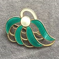 Askel Holmsen green enamel brooch